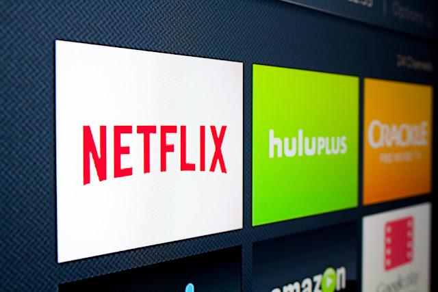 تطبيق Netflix على الأندرويد الآن يحصل على ميزة التحميلات الذكية الجديدة