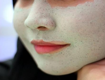 Masker menghilangkan komedo secara alami