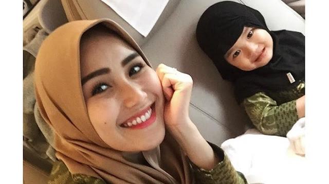Instagram Ayu Ting Ting - Siap Berangkat Umrah, ATT Minta Netizen Doakan Dirinya dan Keluarga!