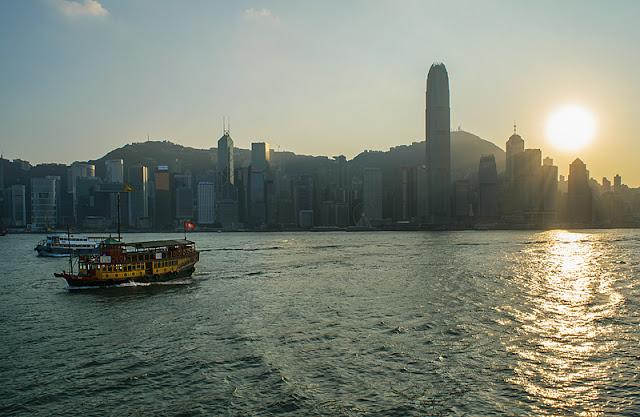 Hong Kong au coucher du soleil