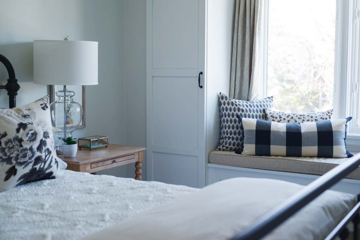 simple guest bedroom, neutral guest bedroom, farmhouse guest bedroom