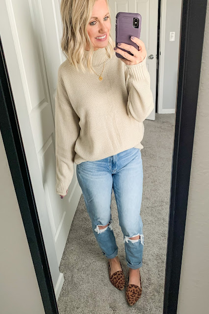 Mock neck sweater with mom jeans #momjeans