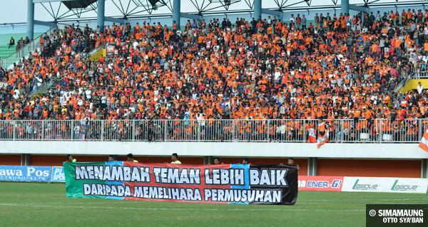 Skor Persija Vs Pss Sleman Facebook: Persija Jakarta Vs Persib Bandung 28/08/2013 . The Legend