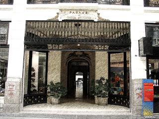 Pasaje Urquiza Anchonera, na Avenida de Mayo, em Buenos Aires