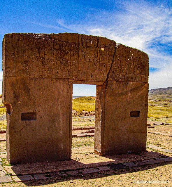 Porta do Sol, no sítio arqueológico de Tiwanaku, Bolívia