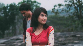 Screenshot Download Movies Ada Apa Dengan Cinta 2 (2016) BluRay 360p Subtitle Bahasa Indonesia - www.uchiha-uzuma.com