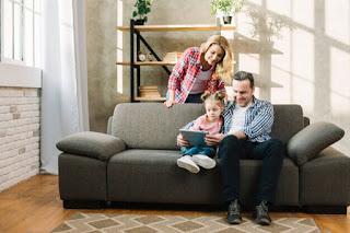 Durasi yang Ideal dan Aman saat Anak Bermain Handphone dan Menonton Televisi