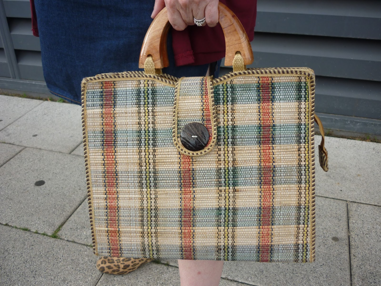 Checked Wooden Handle Bag | Petite Silver Vixen