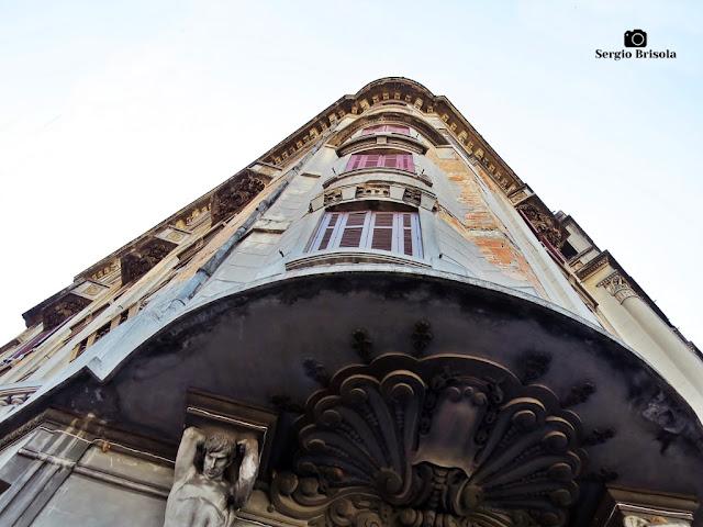 Perspectiva inferior da fachada do Palacete Nacim Schoueri - Centro - São Paulo