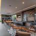 Espaço gourmet contemporâneo e sofisticado cinza e amadeirado + minestar e bar!