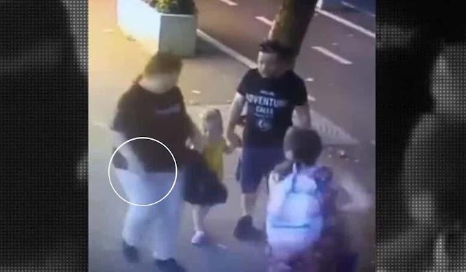 Mulher esfaqueia rosto de criança de 3 anos na frente dos pais; vídeo