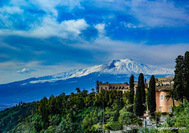 O Vulcão Etna em Taormina, Sicília