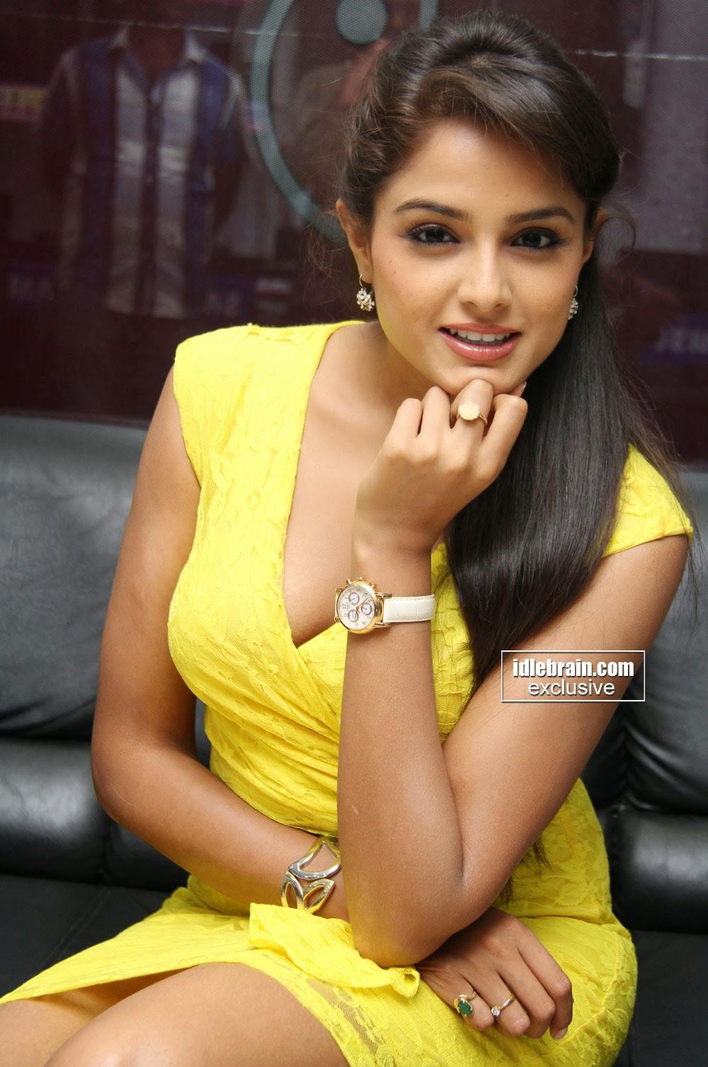 Actress Hot Images Asmita Sood Hot Navel Spicy Gallery-9371