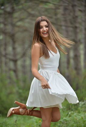 Hande Ercel Looks Hot in White Dress