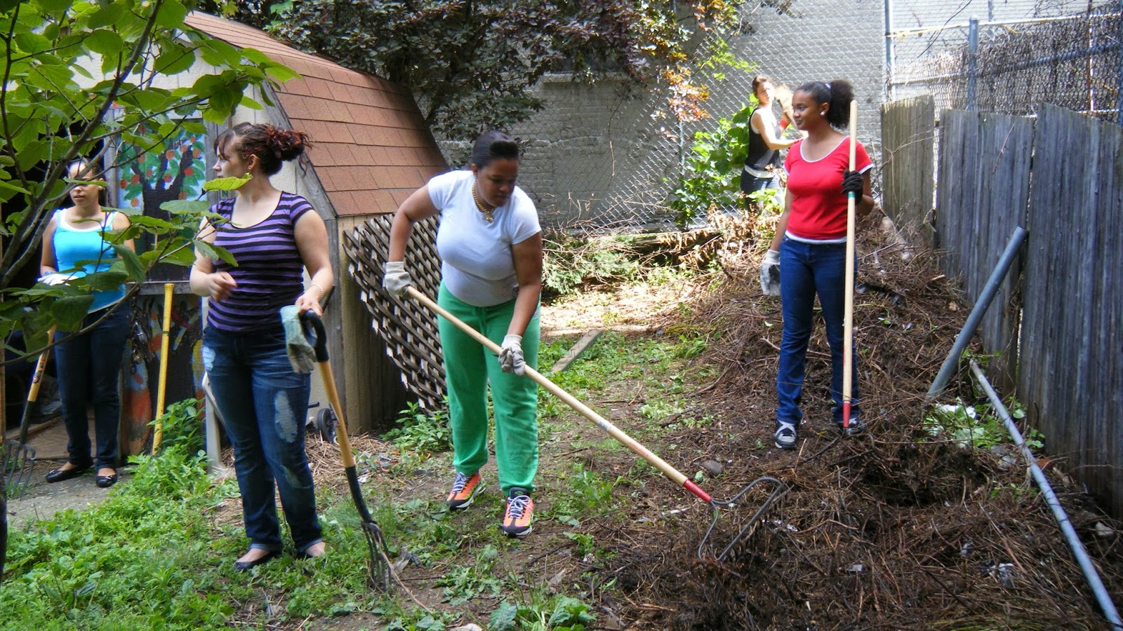 commmunity gardening: Why Should I Join a Community Garden?