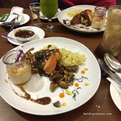 Oopen Resto ibis Hotel Bandung Trans Studio
