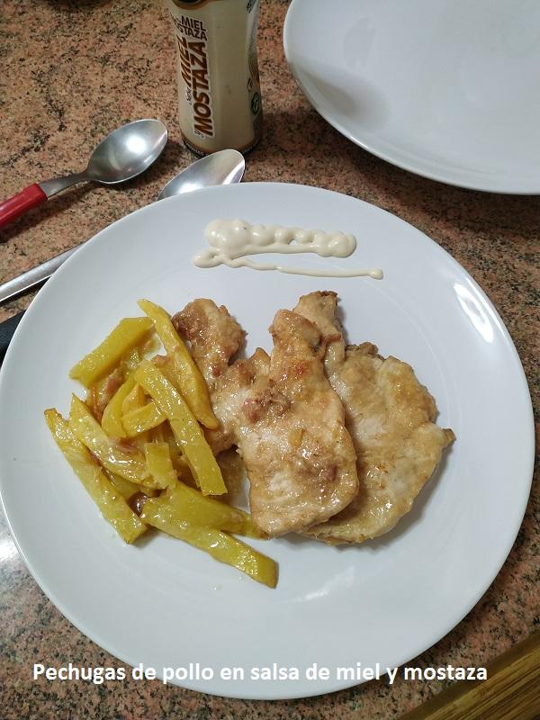 Pechugas de pollo en salsa de miel y mostaza