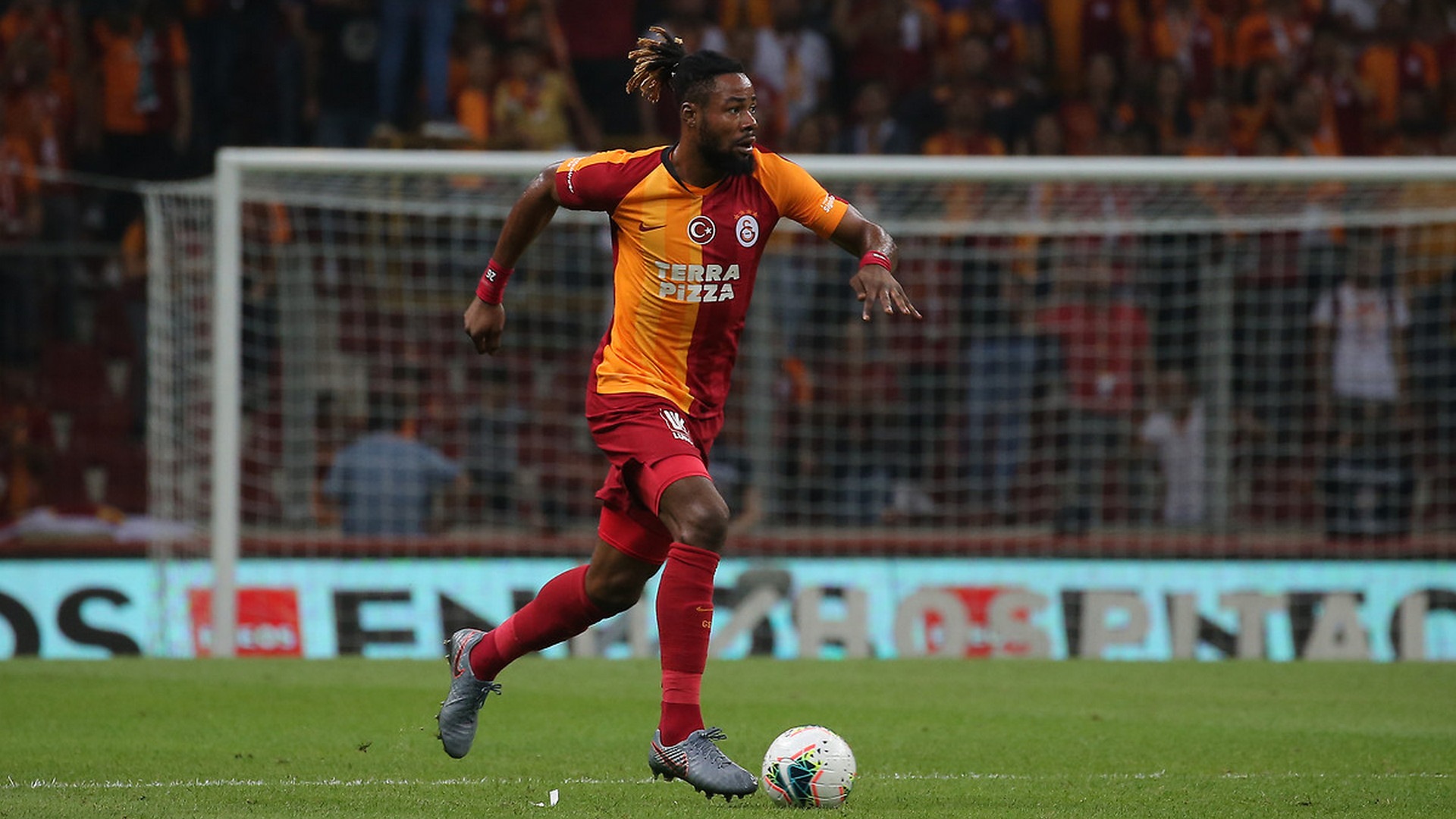 Christian Luyindama'ya Premier Lig'den talip!
