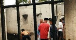 Rumah warga di Sidimpuan yang terbakar.