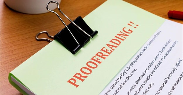 What are the steps before using a proofreading service?