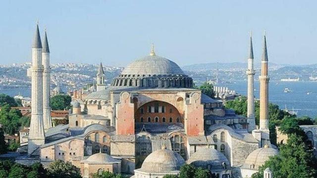 Πιέσεις στην Τουρκία για την Αγία Σοφία και τη συμπεριφορά της στη Μεσόγειο