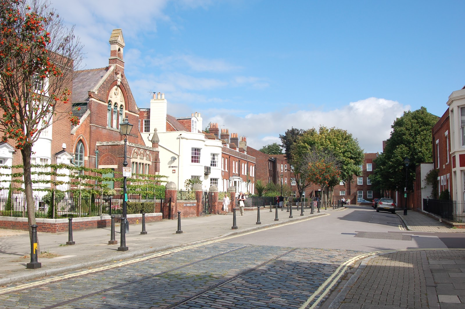 baugh s blog photo essay the homes of charles dickens old commercial road in portsmouth dickens s birthplace museum near the end on the left