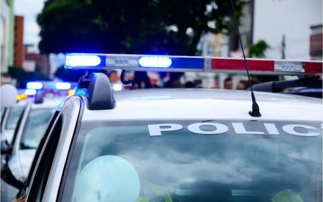 Ρομά από το Άργος έκλεψε, τράκαρε, εγκατέλειψε το αυτοκινητο και πήγε στην αστυνομία για να δηλώσει την κλοπή του