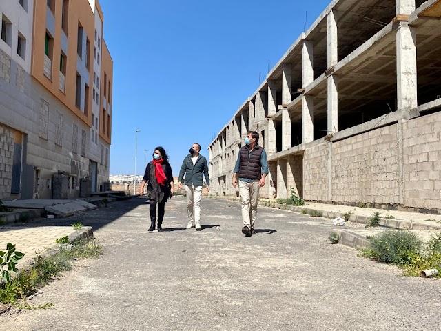 """Fuerteventura.- El PP de Puerto del Rosario vuelve a reclamar al Alcalde que """"reconviertan los edificios vacíos y a medio hacer en viviendas sociales"""""""