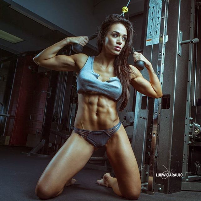 Instagram Fitness Model Brittany Coutu 3