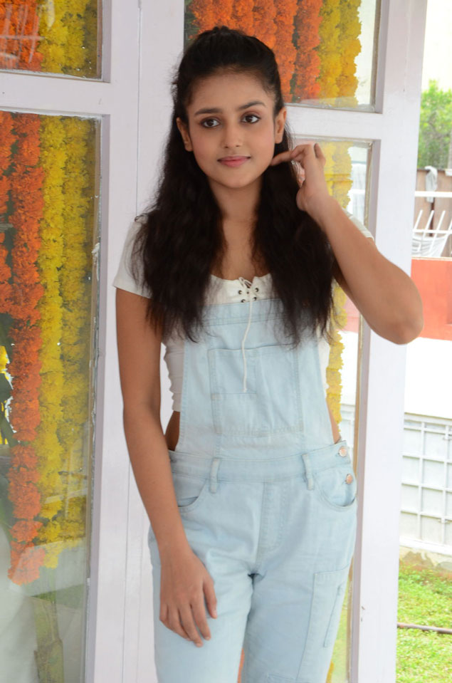 Mishti Chakraborty at Wings Movie Makers Production No 1 Movie Opening