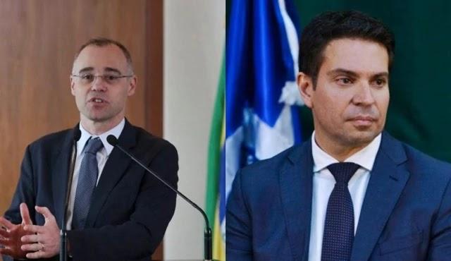 Bolsonaro coloca André Mendonça na Justiça e confirma Ramagem