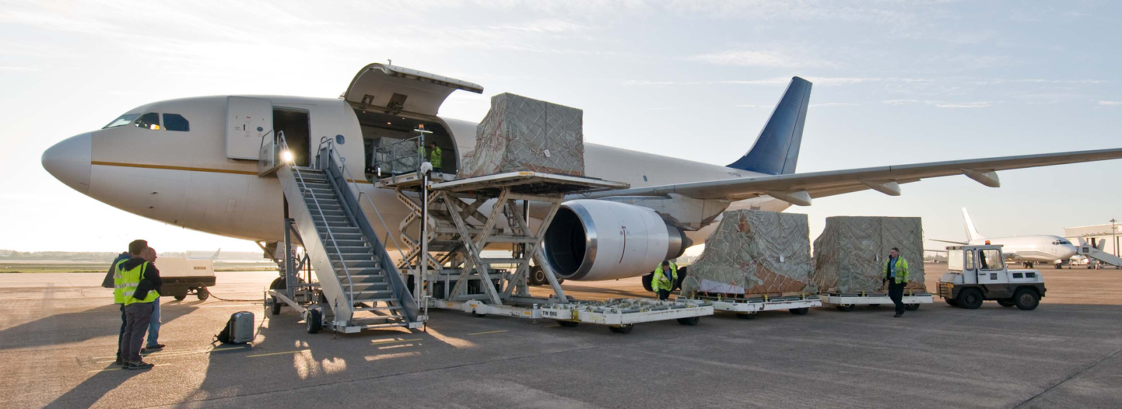 5 Tips in Reducing the Air Freight Cost