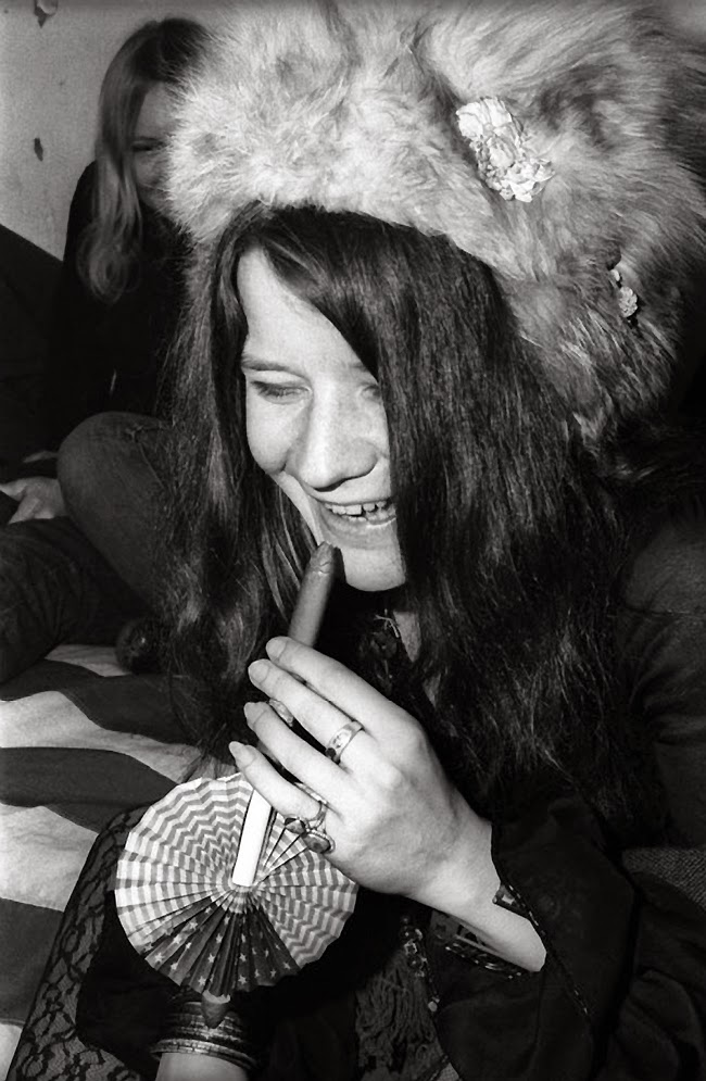 14 Fascinating Black and White Photos of Janis Joplin in ...