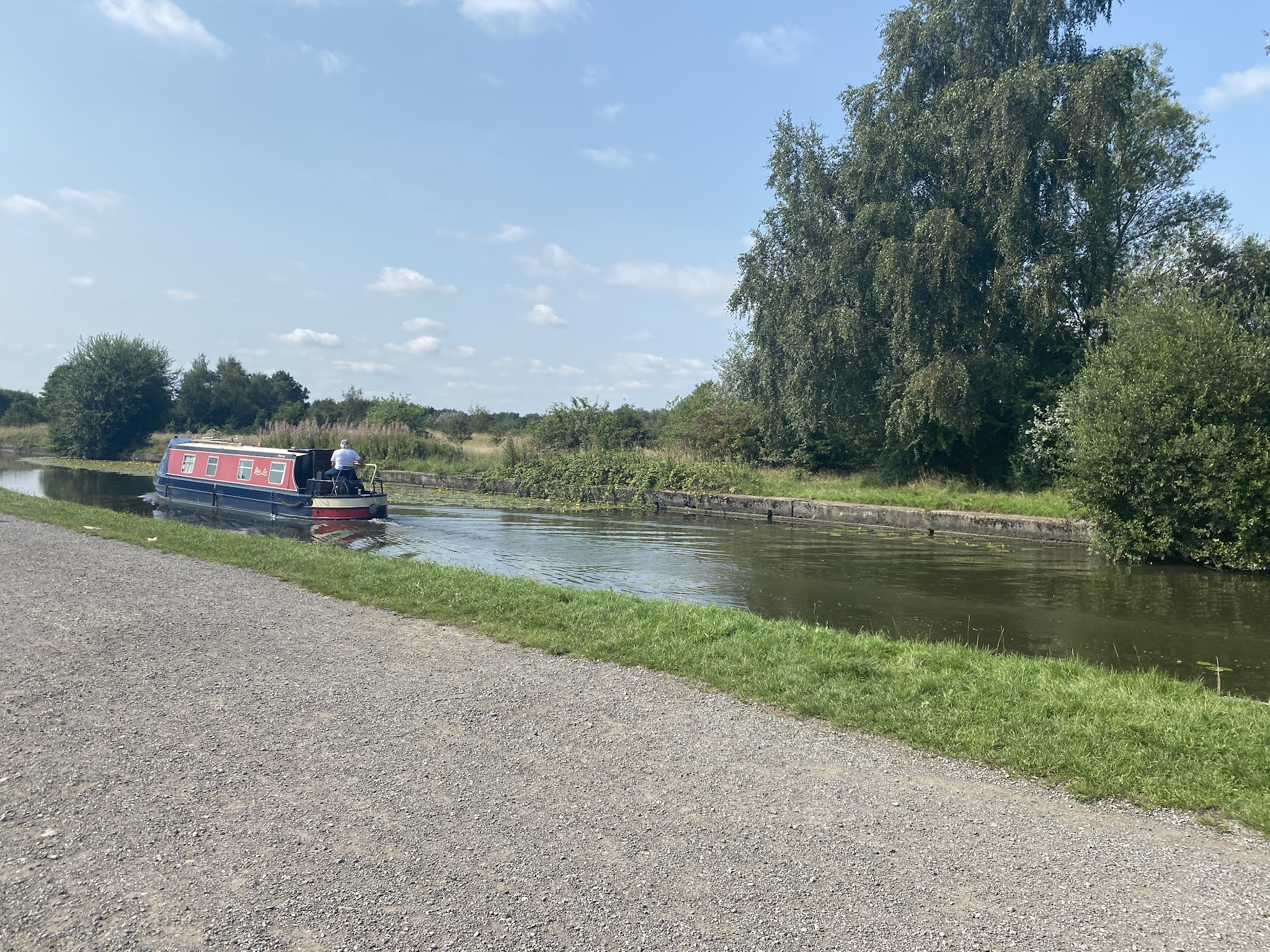 the liverpool leeds canal