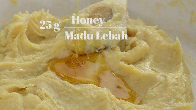 Add honey to lotus paste