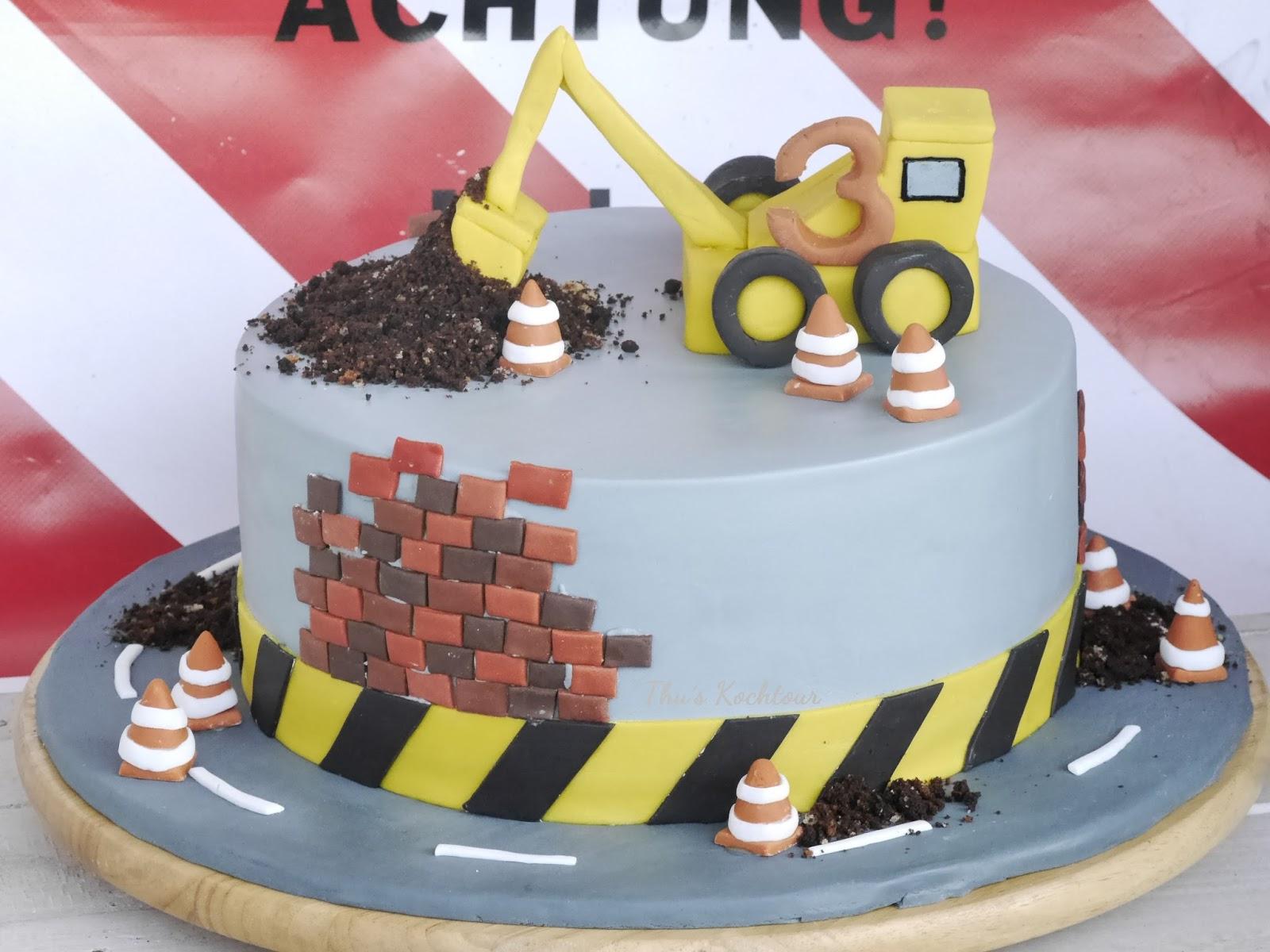 Thus Kochtour Excavator Cake