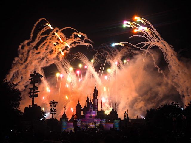 Disney in the Sky fireworks display | Disneyland Hong Kong