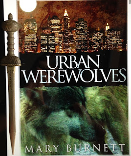 Portada del libro Urban Werewolves, de Mary Burnett