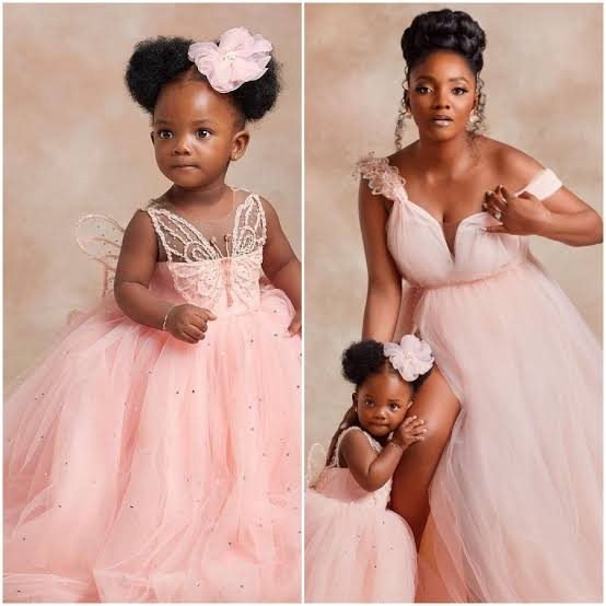'Don't Let Me Block You' - Singer Simi Tells Nigerians Insinuating She Is Pregnant Again