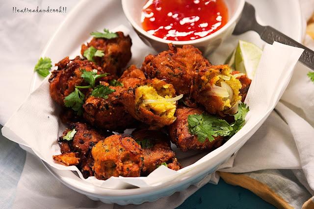 how to make Musurir Dal er Bora / Bengali Red Lentils Fritters recipe