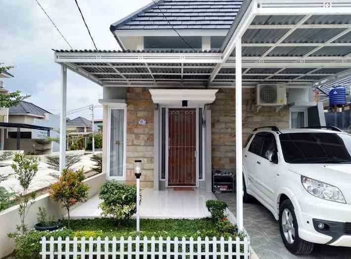 Bentuk Depan Rumah Minimalis Type 45 Aksen Batu Alam