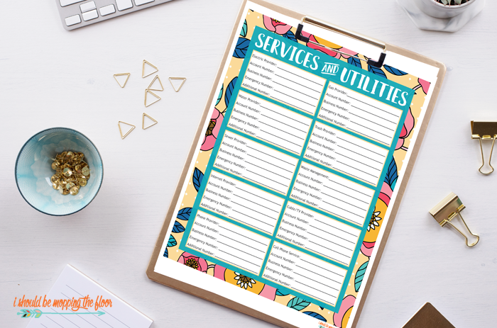 Free Important Contacts Printables includes a Service and Utilities Printable, too. These are perfect for a home binder system for easy home organization. Or, just stick these on the fridge for easy reference.