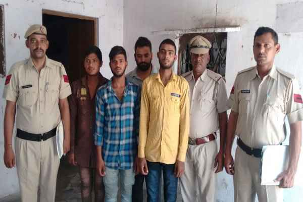 faridabad-police-arrested-atm-fraud-gang-active-in-faridabad