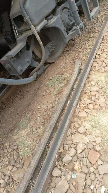 خروج قطار «القاهرة – الإسكندرية» عن القضبان بمحطة منوف