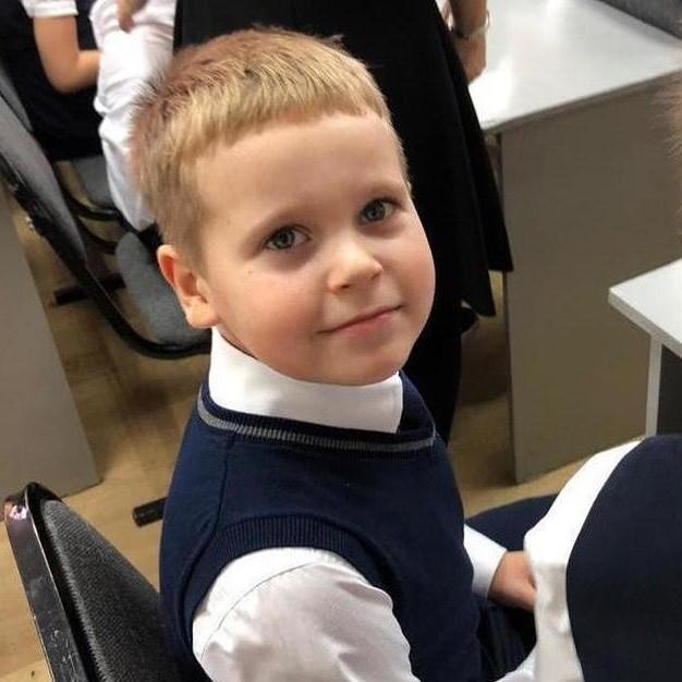 Вчера восьмилетний Валя спас своего одноклассника! Валентин не растерялся и вытащил его из воды!