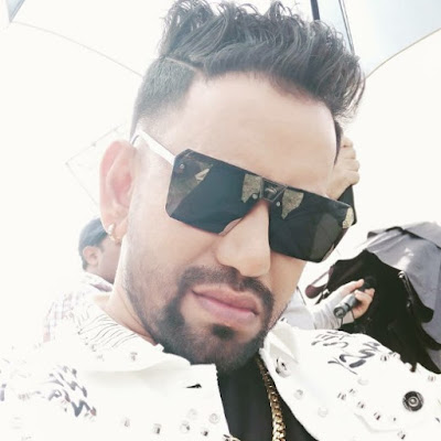 Romeo Raja Starring Dinesh Lal Yadav Yadav Bhojpuri Film First Look - Dinesh Lal Yadav Bhojpuri Film Download