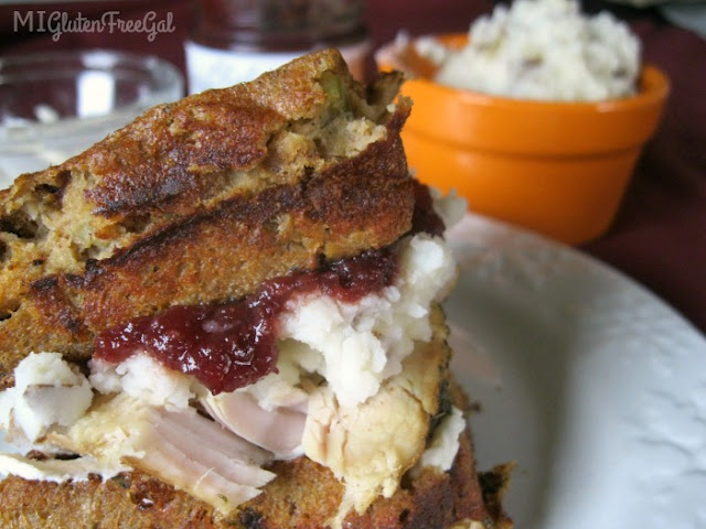 Have #glutenfree #Thanksgiving leftovers? Transform them with these 33 #celiac friendly recipes, which include #vegan, #keto & #paleo options.