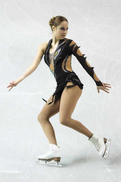 Mao Asada - Mao Asada Photos - 2011 World Figure Skating