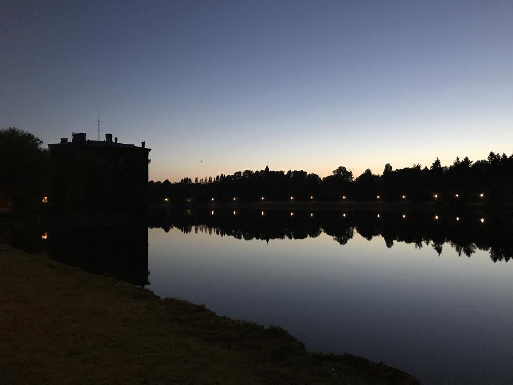 Kaupunkipyörällä auringonlaskusta auringonnousuun 10