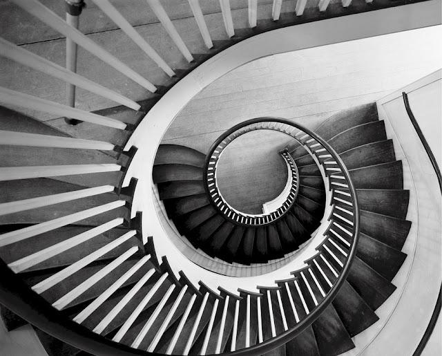 Kekurangan dan Kelemahan Tangga Spiral